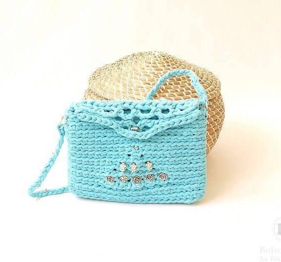 Bolso bandolera azul a crochet en tela algodón reciclada