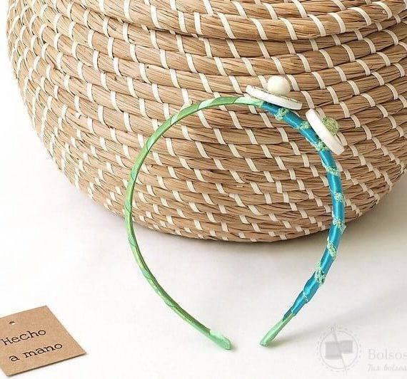 Diadema exclusiva niña colores verde azul hecho a mano